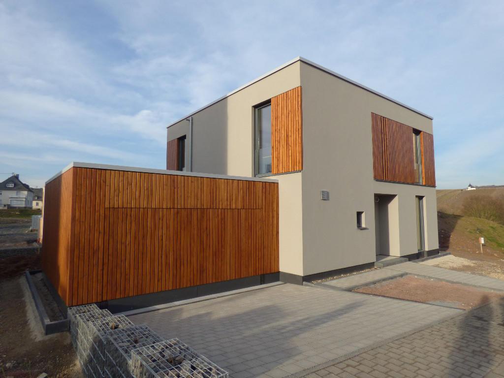 4 bedroom new house in Leiwen...