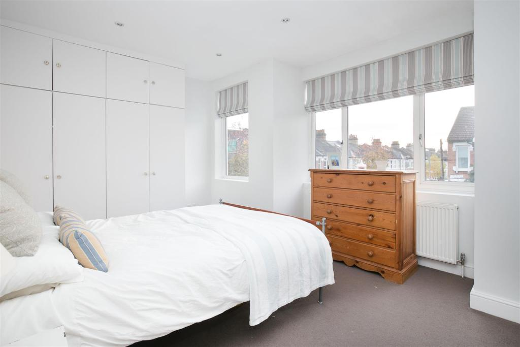 69 Corsehill St bed4
