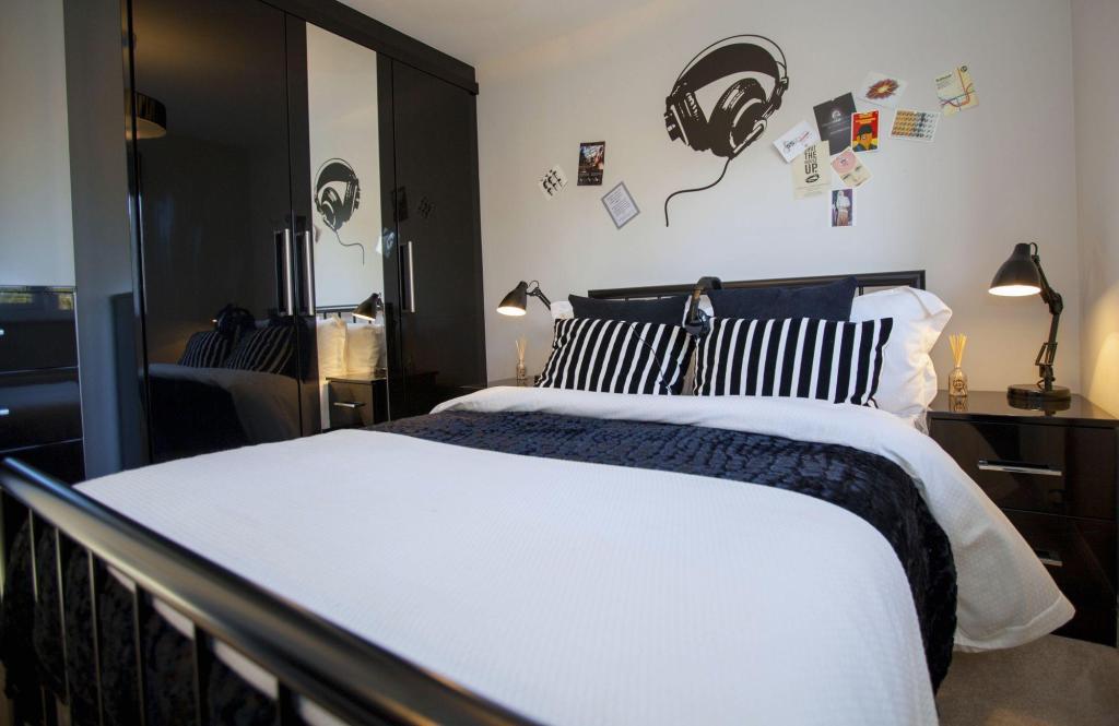 Typical Cambridge third bedroom