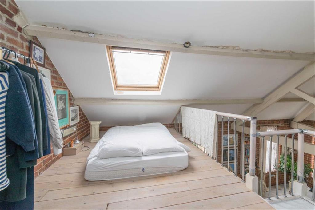 1 Bedroom Apartment For Sale In Taplin Road Hillsborough