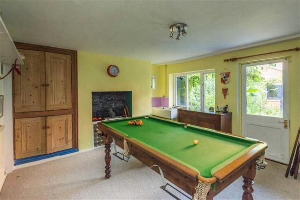 GAMES ROOM/OCCASIONA