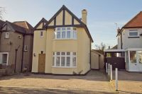 5 bedroom Detached house for sale in The Fairway...