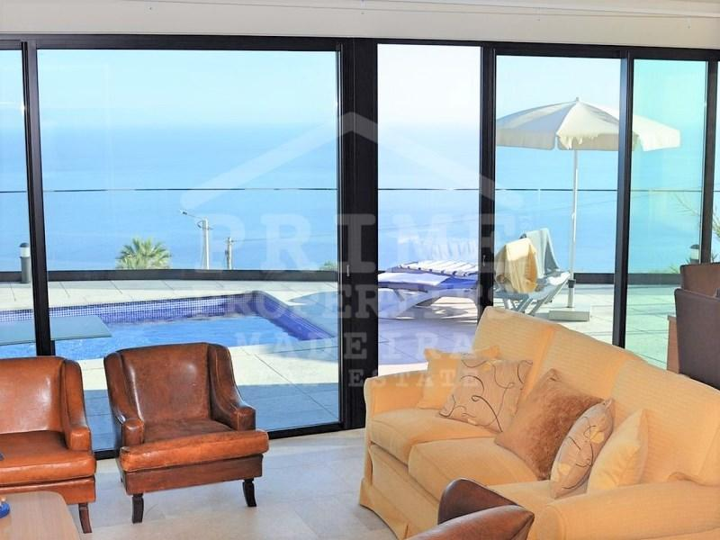 3 bed property for sale in Calheta...