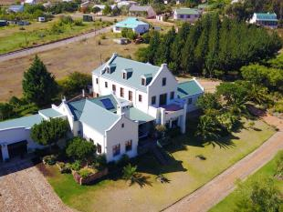 6 bedroom house for sale in Cape Town, Cape Town...