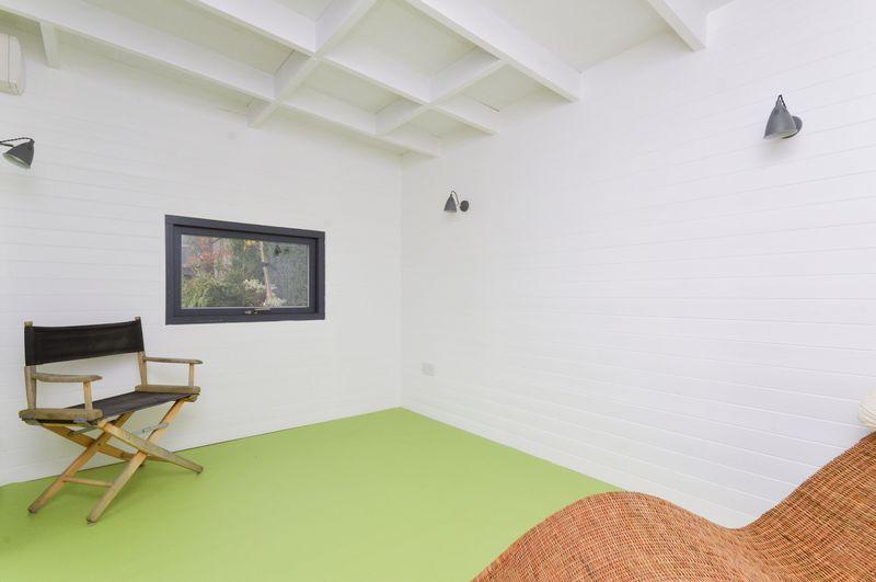 Garden Room B