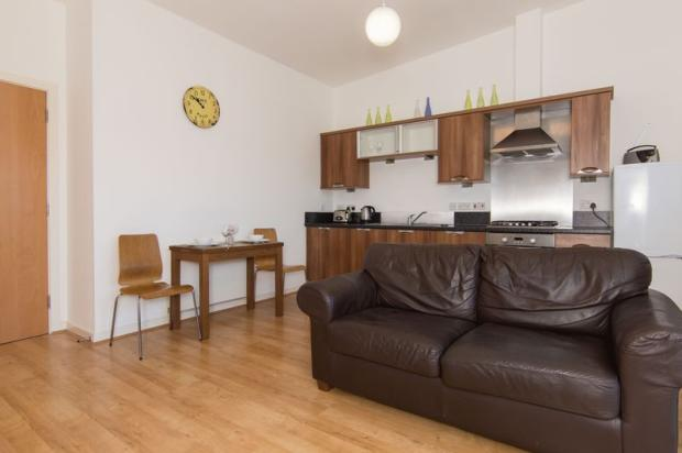 Living Room Ki...