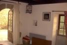 Studio sitting rm