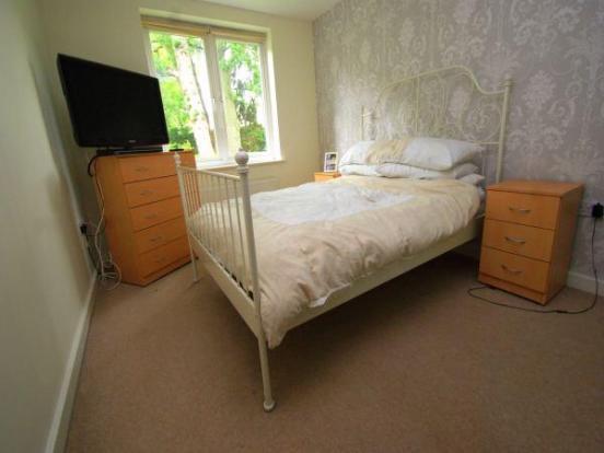 Bedroom Property For Sale In Hercies Road Hillingdon