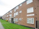 2 bed Flat to rent in Royston Gardens, Ilford...