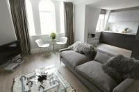 Flat to rent in Welbeck Street, London...