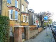 Flat to rent in Elsynge Road