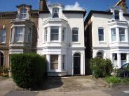 2 bedroom Flat for sale in Clifton Road...