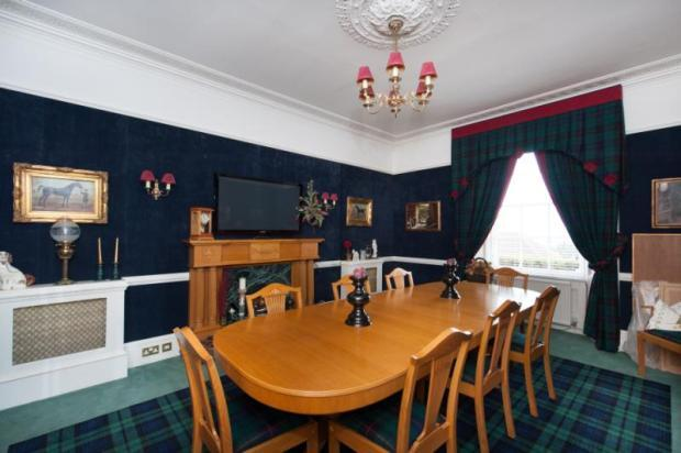 4 bedroom detached house for sale in craignairn for Living room kirkcaldy