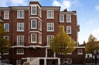 3 bed Flat in Sherwood Court...