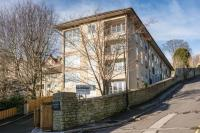 Apartment to rent in Lansdown Villas