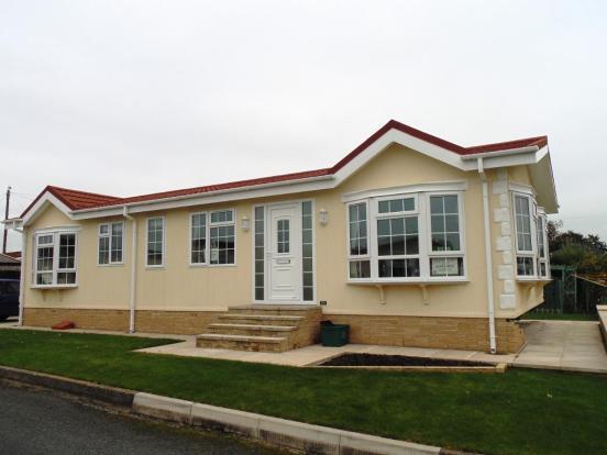 2 bedroom mobile home for sale in sp1069 enfield middlesex en2 9jf en2