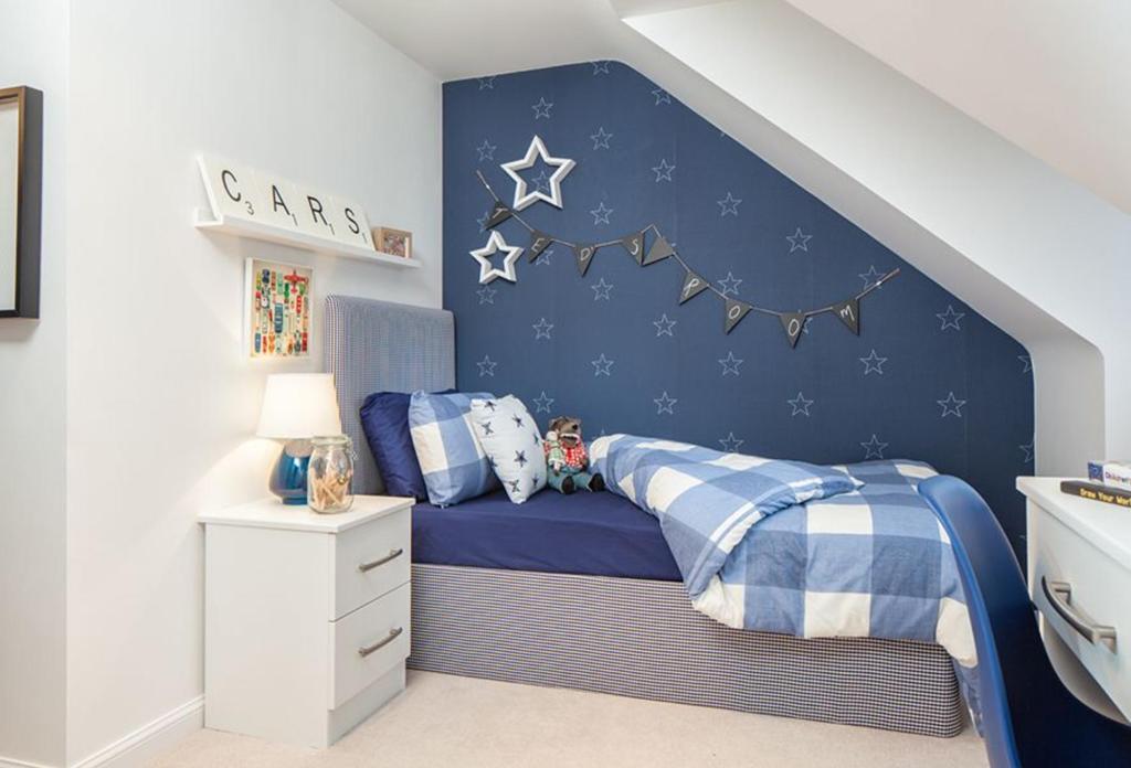 helmsley bedroom single