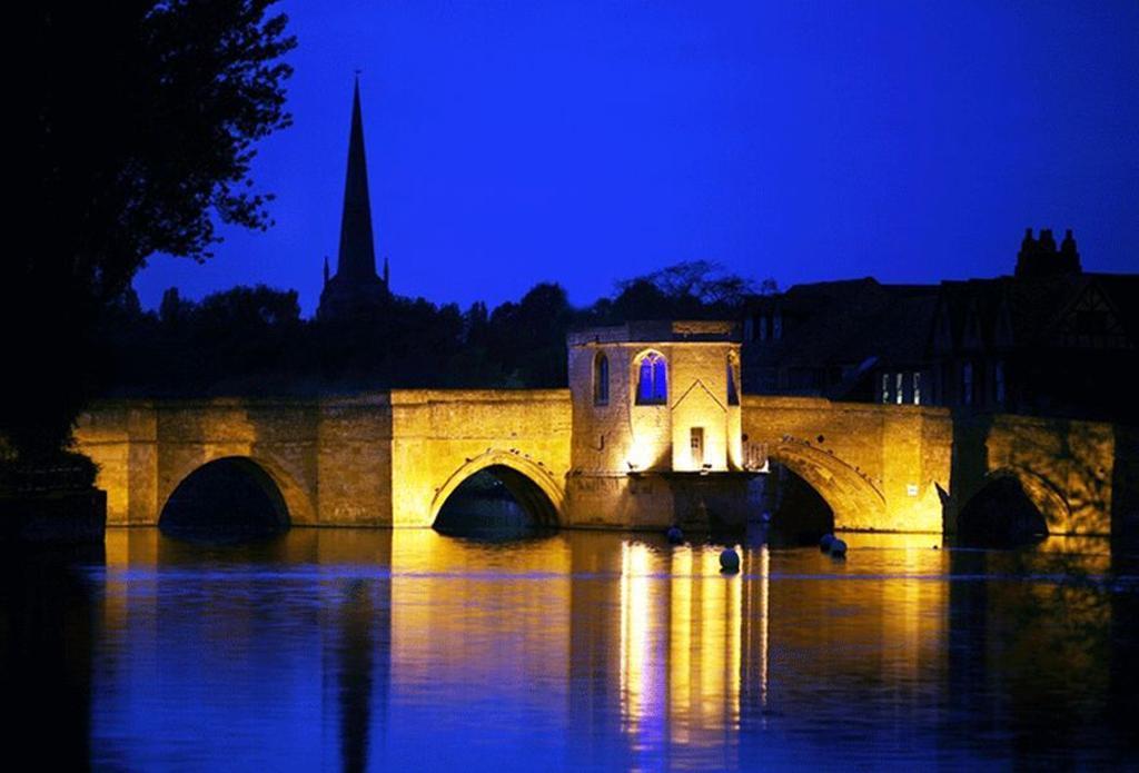 St Ives at night