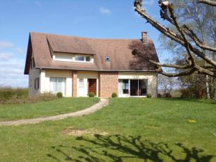 6 bedroom home in 21450 chaume-les-baigneux