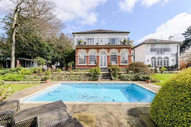 6 Bedroom Detached House For Sale In Mucklow Hill Halesowen B62