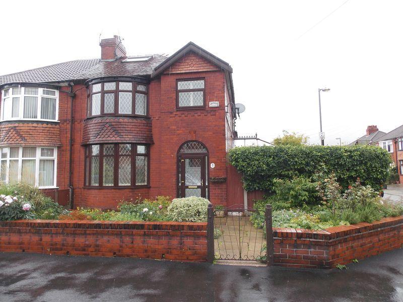 3 Bedroom Semi Detached House For Sale In Cambridge Drive Denton M34