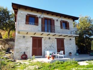 4 bed Detached house for sale in Guardiagrele, Chieti...