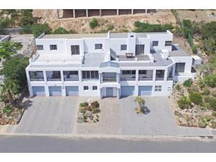 8 bedroom house in Western Cape...