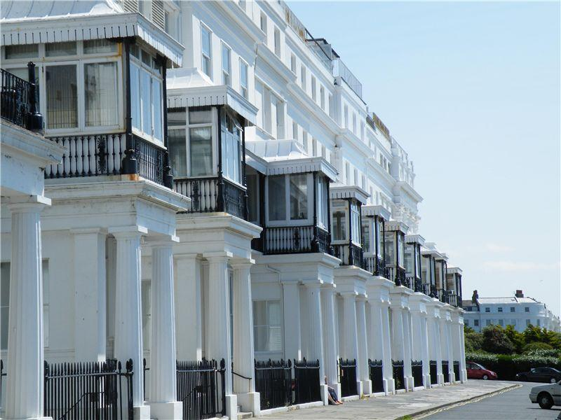 2 bedroom apartment to rent in chichester terrace for Room to rent brighton