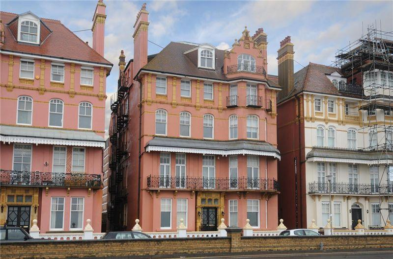 Zoella's old apartment flat in King's Gardens on Brighton seafront
