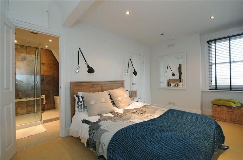 Modern country style zoella 39 s old apartment in brighton for Modern house zoopla