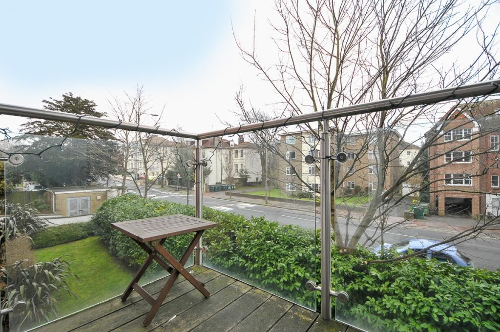 2 bedroom apartment to rent in preston park avenue for Room to rent brighton