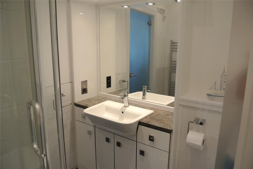 En Suite Shower Rm
