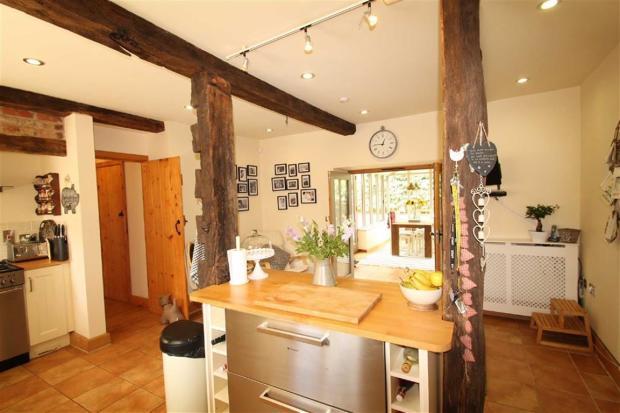 Spacious Kitchen/Bre