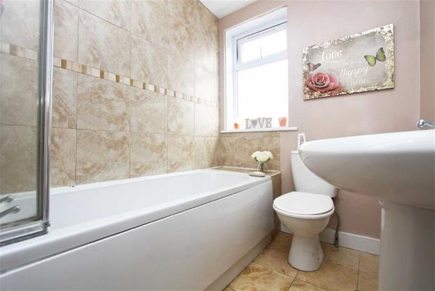 2 Bedroom Flat For Sale In Egremont Place Whitley Bay NE26