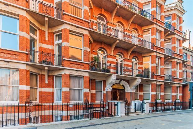 Palace Place Mansion