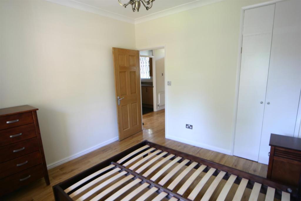 Turner House bed 2.J