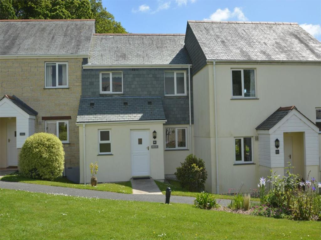 2 Bedroom Cottage For Sale In Goldenbank Falmouth