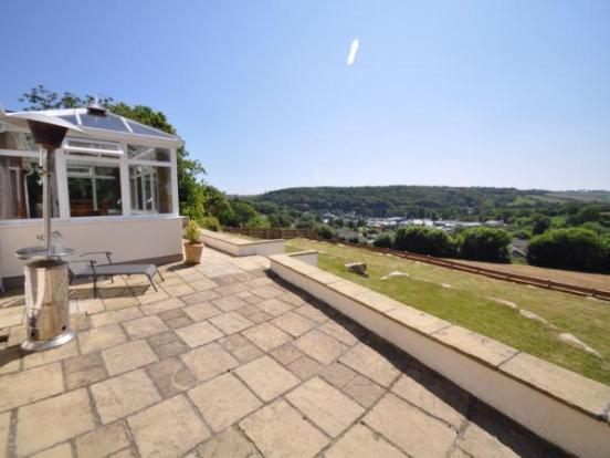 Sun terrace and gar