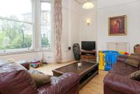 Flat to rent in South Hill Park...