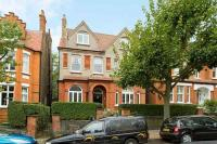 3 bed Flat to rent in Parsifal Road...
