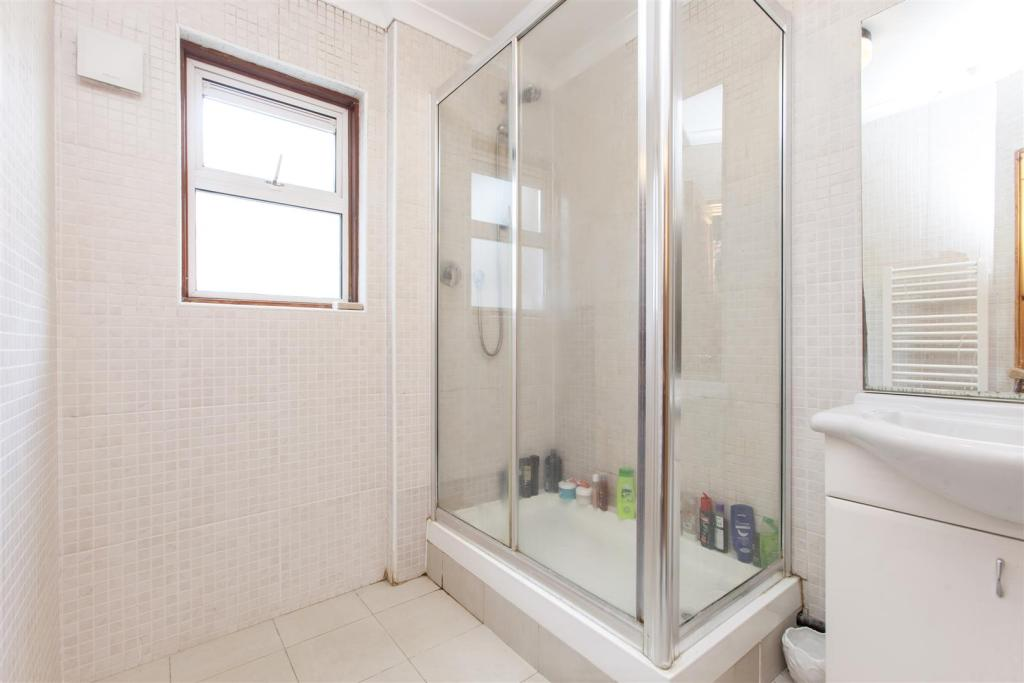 Glengall Road shower