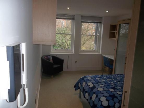 Flat 6, 136 Finchley