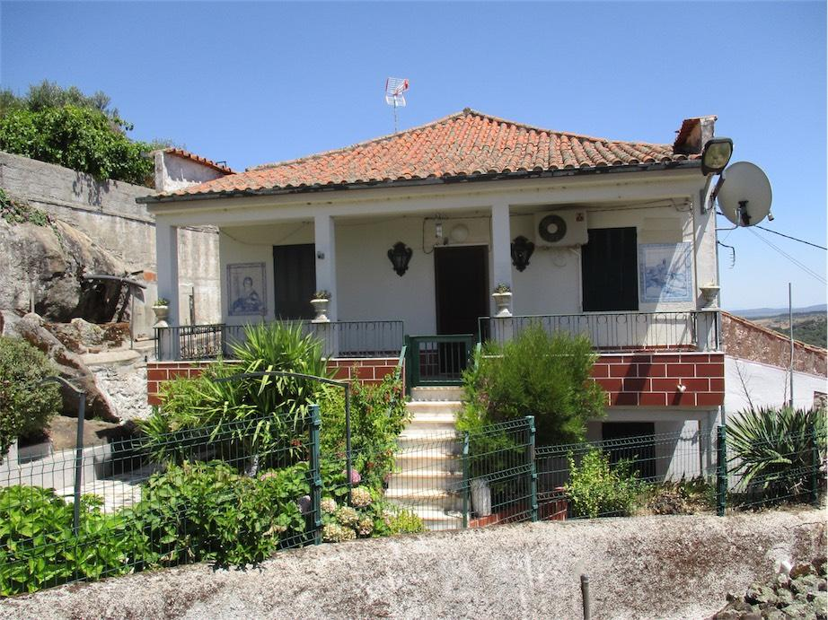 Detached property for sale in Penamacor, Beira Baixa