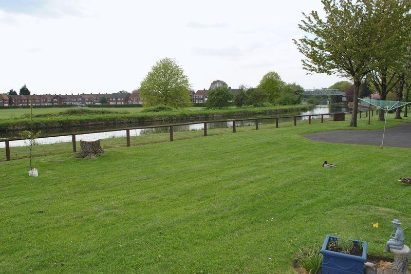 Rear communal garden