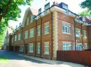 Flat to rent in 87 Augustus Road...