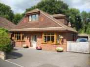 4 bedroom Detached Bungalow in **WELL PRESENTED 4...