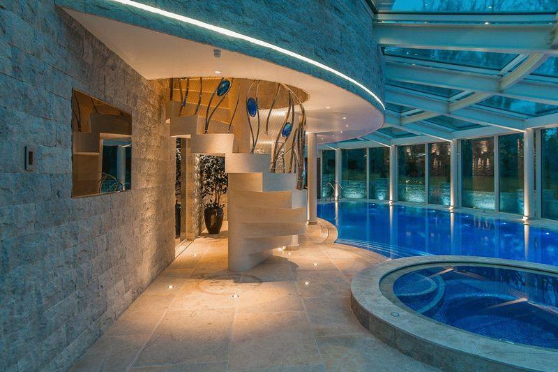 Colours design ideas photos inspiration rightmove for Indoor pool design uk