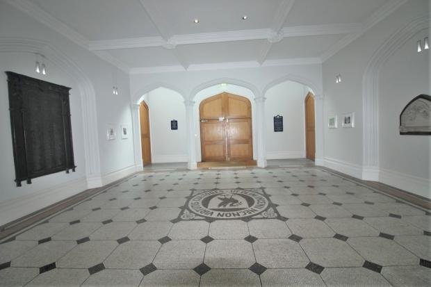 Entrance Hall (2)