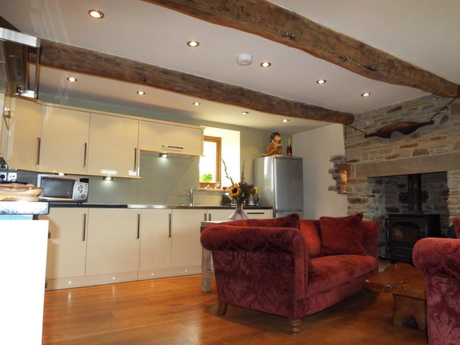 Kitchen Lounge