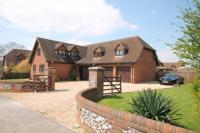 5 bedroom Detached house in Manor Lane, Timsbury...